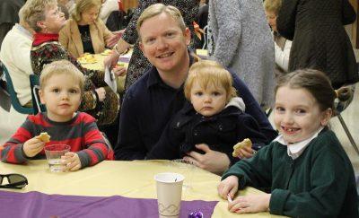 volunteers-dad-and-kids